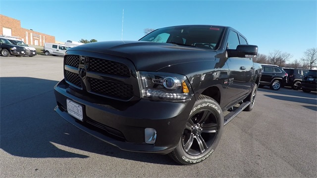 2018 Ram 1500 Crew Cab 4x4 Pickup #D4493 - photo 3