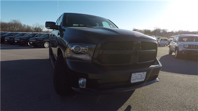 2018 Ram 1500 Crew Cab 4x4 Pickup #D4493 - photo 4