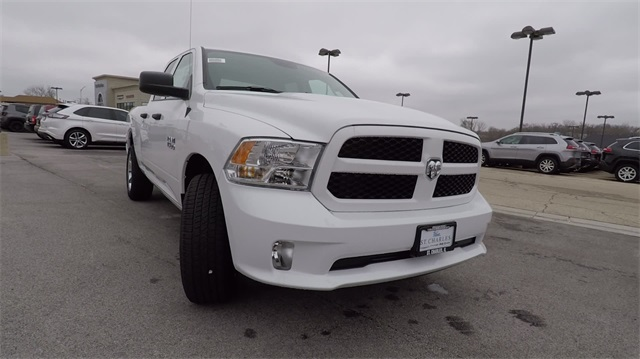 2018 Ram 1500 Quad Cab 4x4, Pickup #D4561 - photo 4