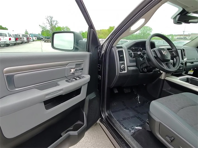 2018 Ram 1500 Crew Cab 4x4, Pickup #D4623 - photo 16