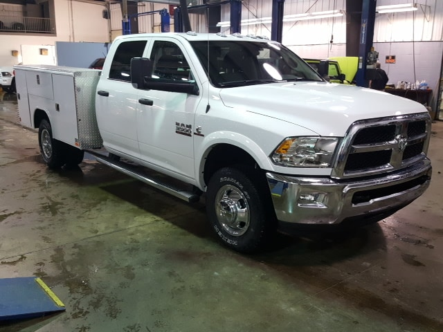 2018 Ram 3500 Crew Cab DRW 4x4, Service Body #8R029 - photo 4