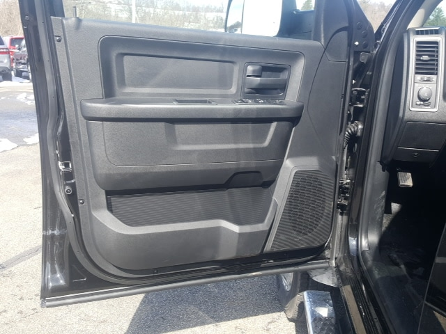 2018 Ram 5500 Crew Cab DRW 4x4, Platform Body #8R044 - photo 11