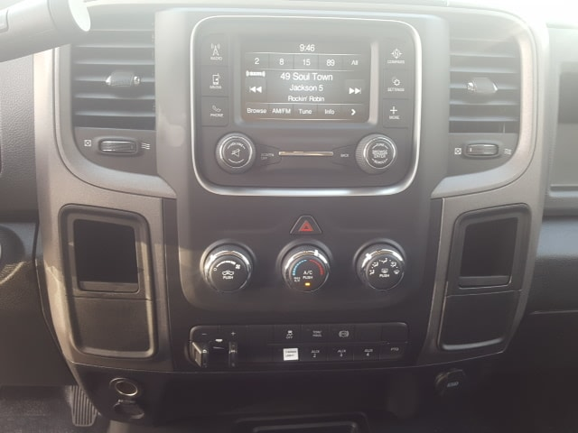 2018 Ram 5500 Crew Cab DRW 4x4, Platform Body #8R044 - photo 17