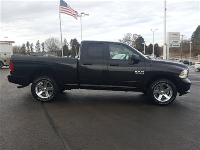 2018 Ram 1500 Quad Cab 4x4, Pickup #8R061 - photo 6