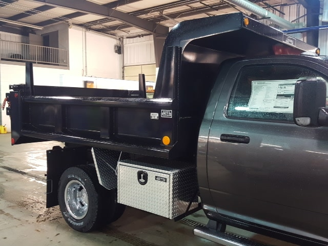 2018 Ram 3500 Regular Cab DRW 4x4, Dump Body #8R192 - photo 2