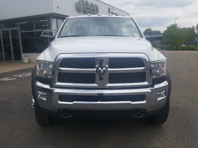 2018 Ram 5500 Regular Cab DRW 4x4, Cab Chassis #8R249 - photo 3