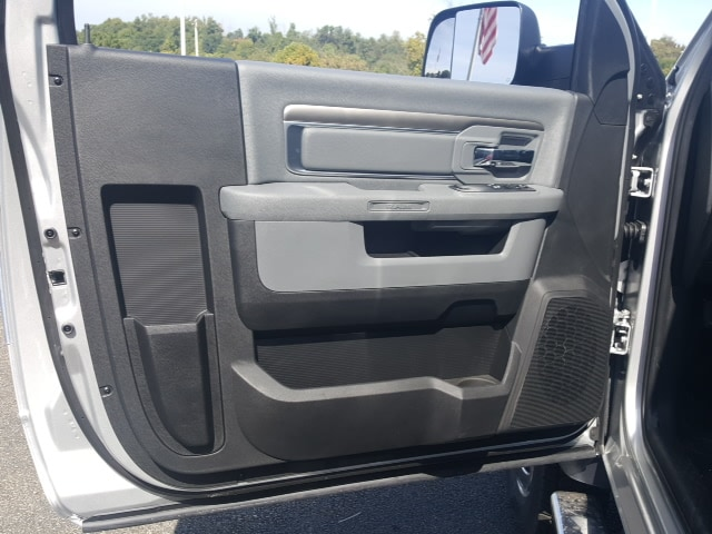 2018 Ram 5500 Regular Cab DRW 4x4, Dump Body #8R837 - photo 6