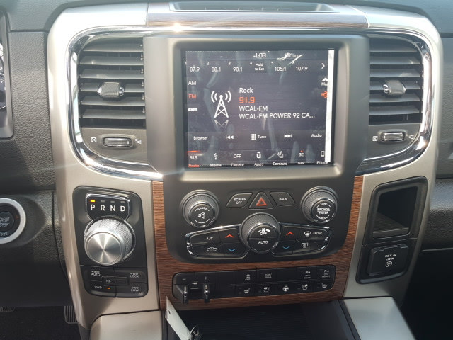 2018 Ram 1500 Crew Cab 4x4 Pickup #8R850 - photo 19