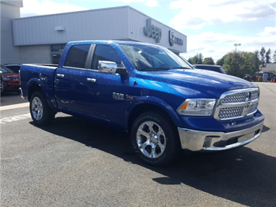 2018 Ram 1500 Crew Cab 4x4 Pickup #8R850 - photo 4
