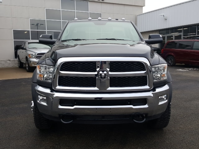 2018 Ram 5500 Regular Cab DRW 4x4, Cab Chassis #8R884 - photo 3