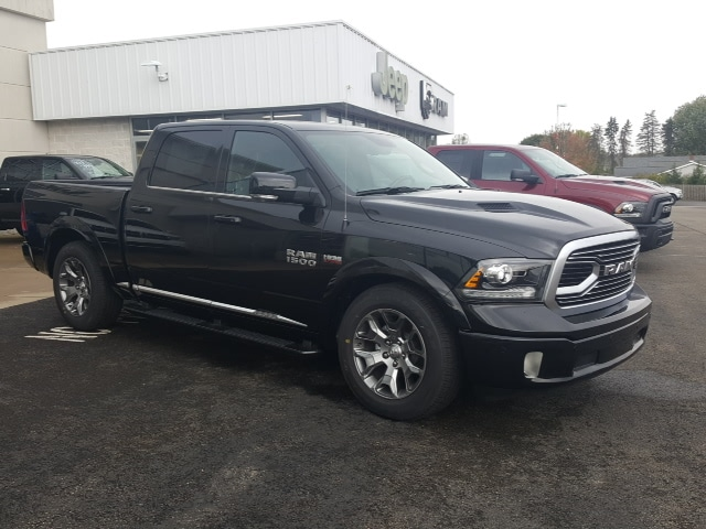 2018 Ram 1500 Crew Cab 4x4, Pickup #8R892 - photo 4