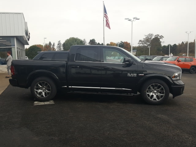 2018 Ram 1500 Crew Cab 4x4, Pickup #8R892 - photo 5