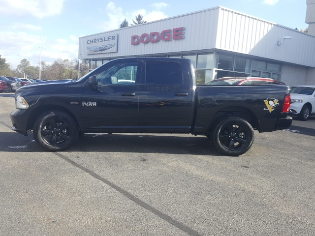 2018 Ram 1500 Crew Cab 4x4, Pickup #8R915 - photo 9