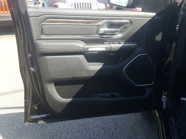 2019 Ram 1500 Crew Cab 4x4, Pickup #9R236 - photo 12