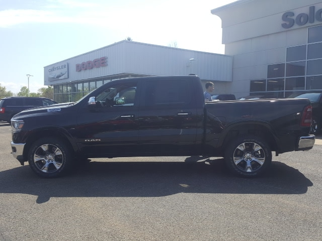 2019 Ram 1500 Crew Cab 4x4, Pickup #9R236 - photo 6