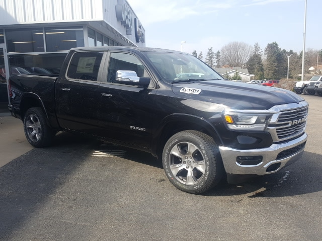 2019 Ram 1500 Crew Cab 4x4, Pickup #9R258 - photo 4