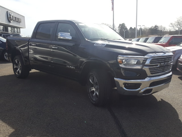 2019 Ram 1500 Crew Cab 4x4, Pickup #9R290 - photo 4
