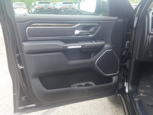 2019 Ram 1500 Crew Cab 4x4, Pickup #9R316 - photo 13