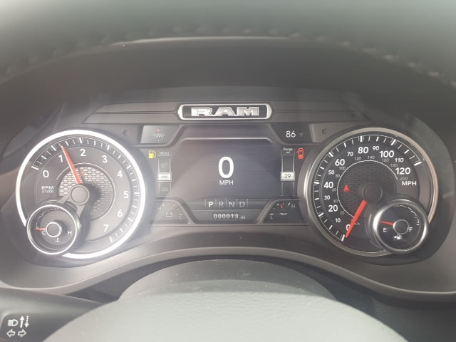 2019 Ram 1500 Crew Cab 4x4, Pickup #9R316 - photo 16