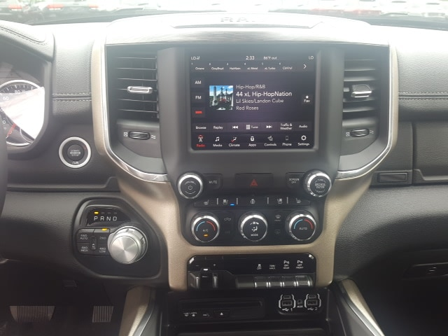 2019 Ram 1500 Crew Cab 4x4, Pickup #9R316 - photo 22
