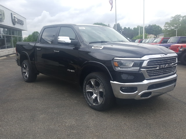 2019 Ram 1500 Crew Cab 4x4, Pickup #9R316 - photo 4