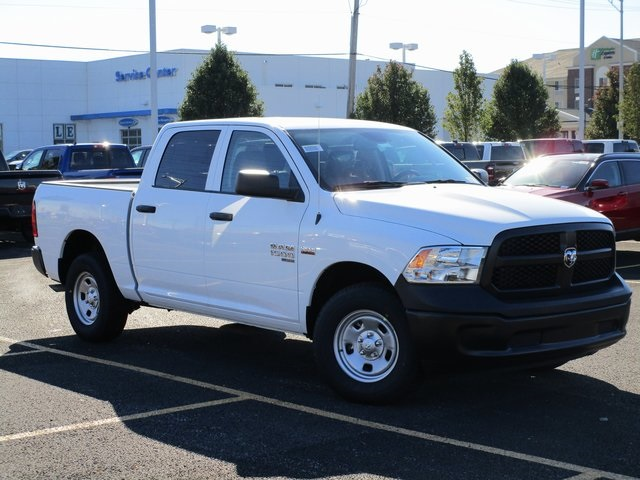 2019 Ram 1500 Crew Cab 4x4,  Pickup #D190279 - photo 3
