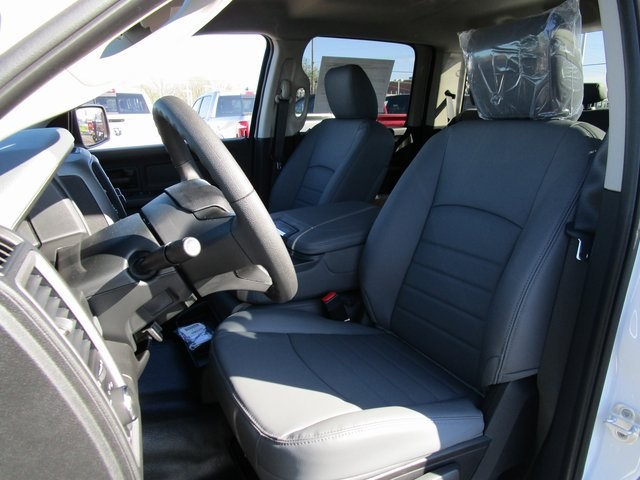 2019 Ram 1500 Crew Cab 4x4,  Pickup #D190279 - photo 20