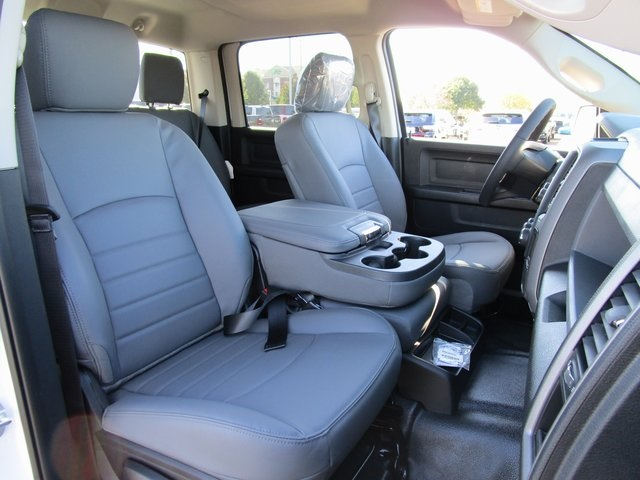 2019 Ram 1500 Crew Cab 4x4,  Pickup #D190279 - photo 21