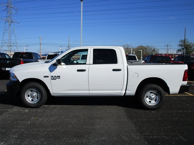 2019 Ram 1500 Crew Cab 4x4,  Pickup #D190279 - photo 5
