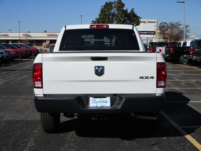 2019 Ram 1500 Crew Cab 4x4,  Pickup #D190279 - photo 6