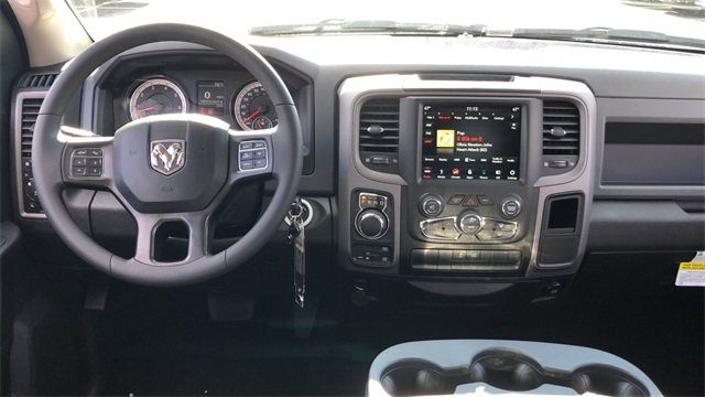 2019 Ram 1500 Crew Cab 4x4,  Pickup #D190330 - photo 10