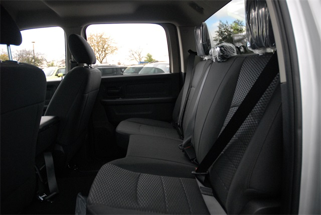 2019 Ram 1500 Crew Cab 4x4, Pickup #R1985 - photo 16