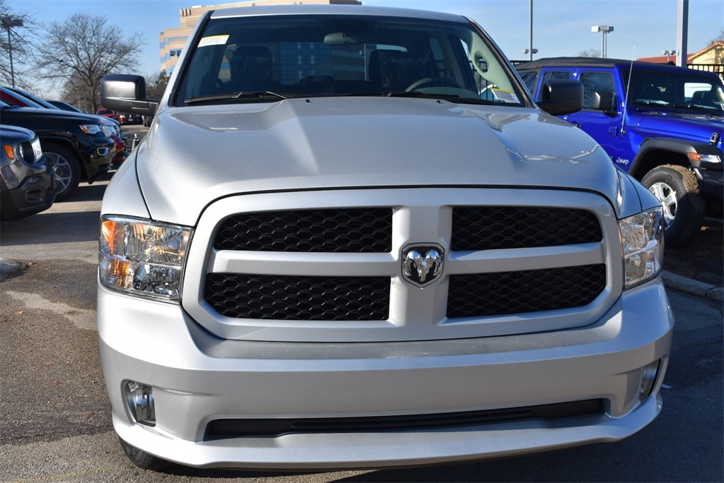 2019 Ram 1500 Crew Cab 4x4, Pickup #R2071 - photo 11