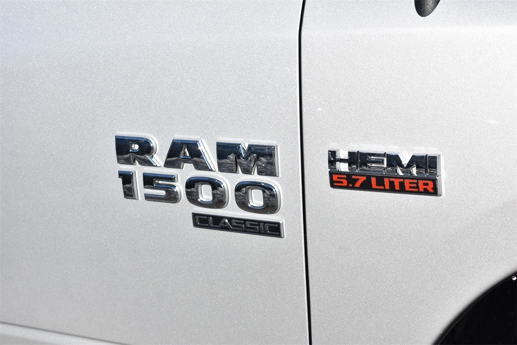 2019 Ram 1500 Crew Cab 4x4, Pickup #R2071 - photo 5