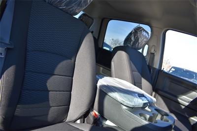 2019 Ram 1500 Crew Cab 4x4, Pickup #R2071 - photo 17