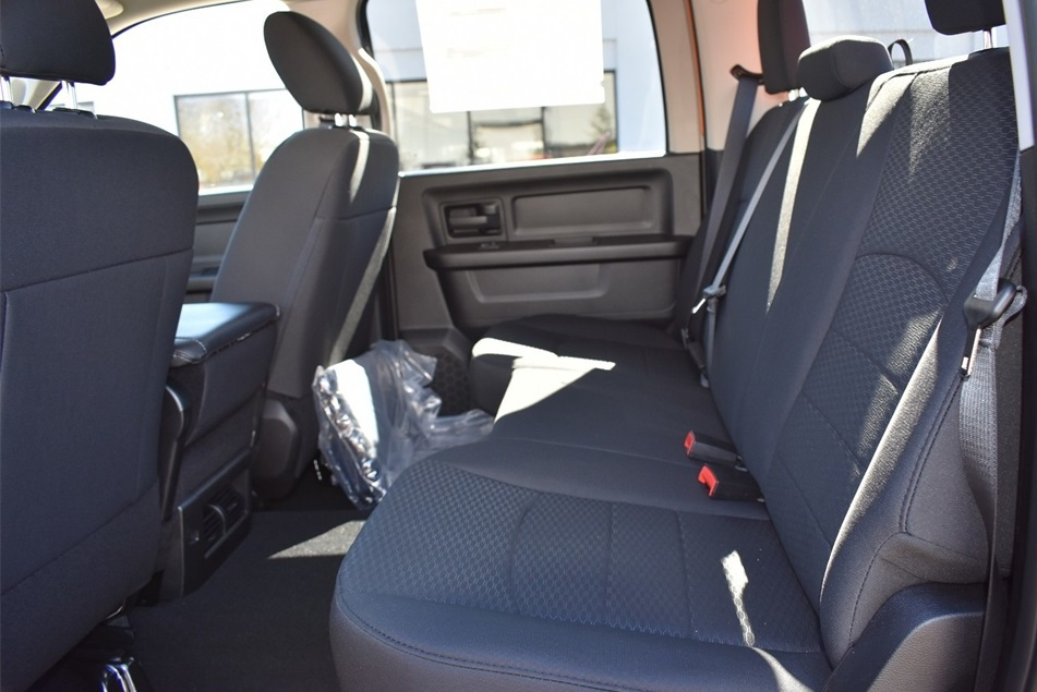2019 Ram 1500 Crew Cab 4x4, Pickup #KS615255 - photo 18