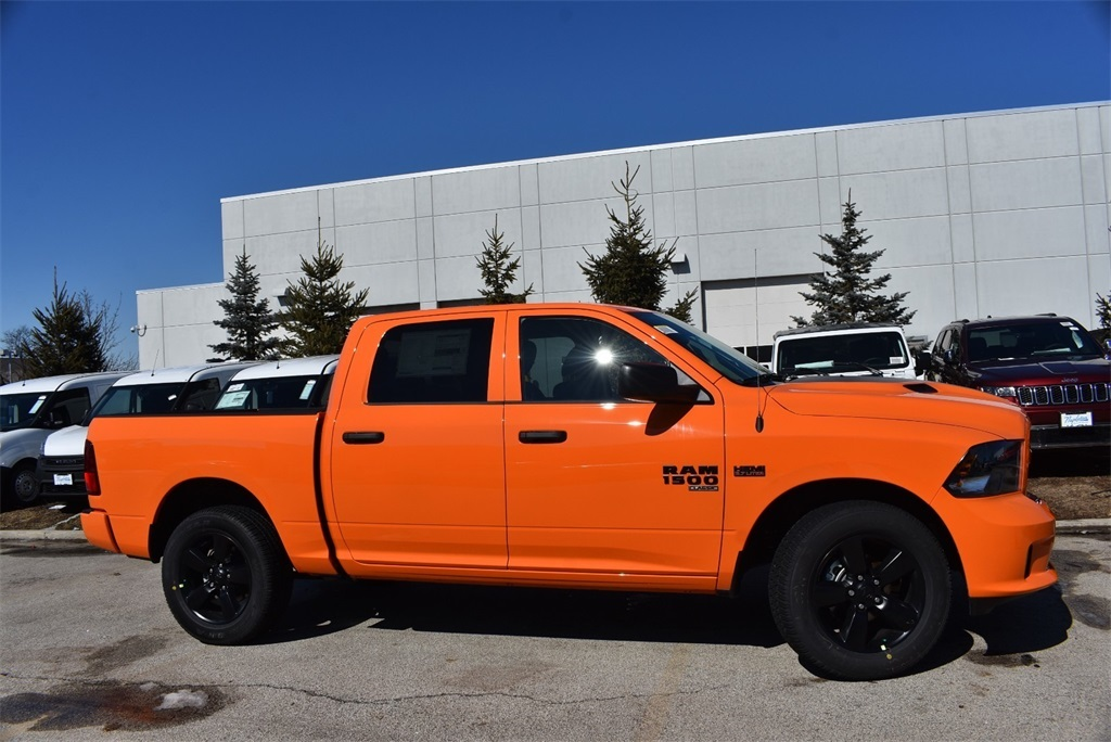 2019 Ram 1500 Crew Cab 4x4, Pickup #KS615255 - photo 7