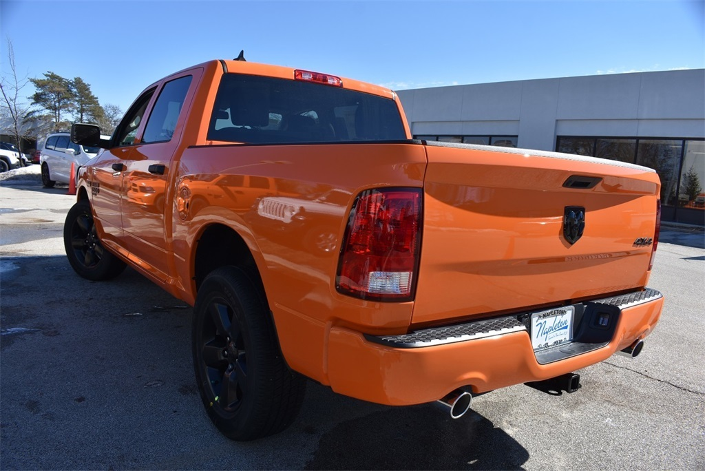 2019 Ram 1500 Crew Cab 4x4, Pickup #KS615255 - photo 9