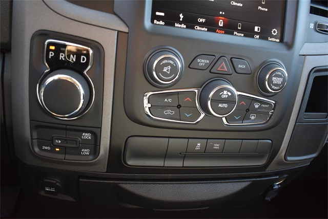 2019 Ram 1500 Crew Cab 4x4, Pickup #R2180 - photo 10