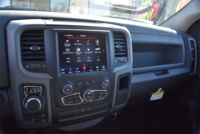 2019 Ram 1500 Crew Cab 4x4, Pickup #R2180 - photo 14