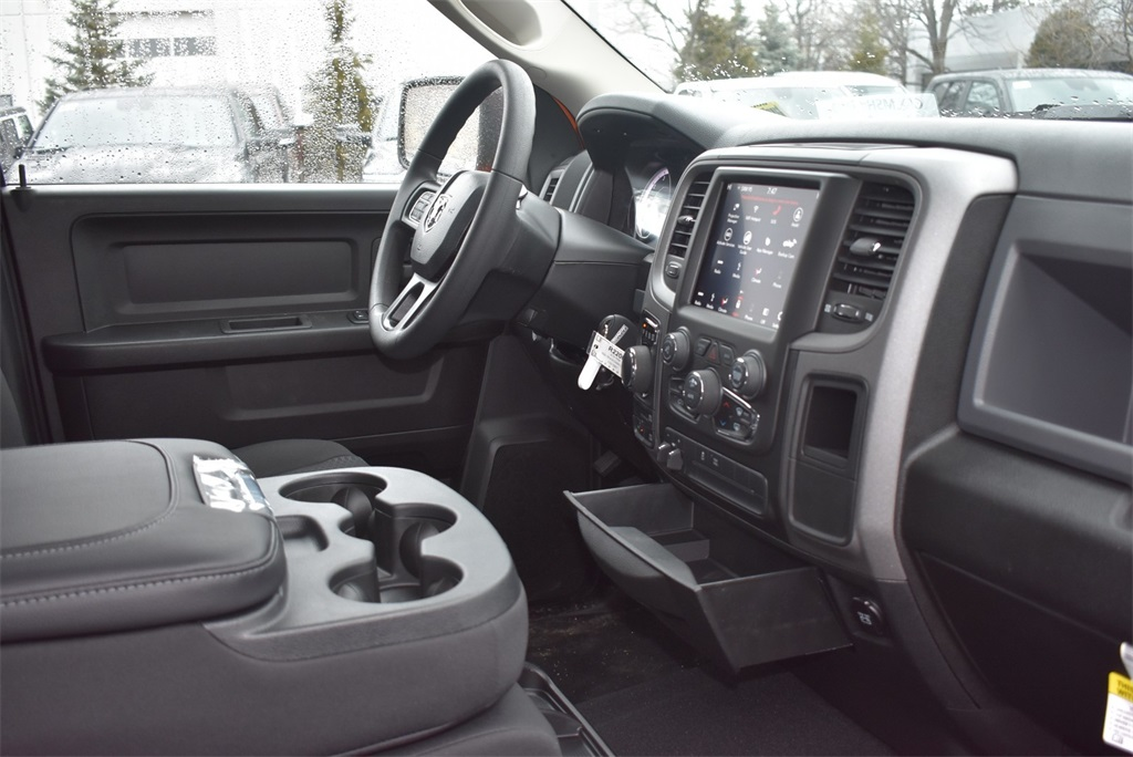 2019 Ram 1500 Crew Cab 4x4,  Pickup #R2200 - photo 12