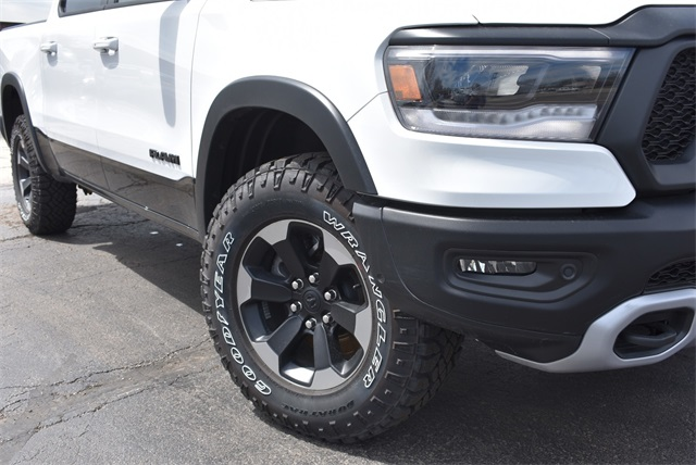2019 Ram 1500 Crew Cab 4x4, Pickup #R2234 - photo 4