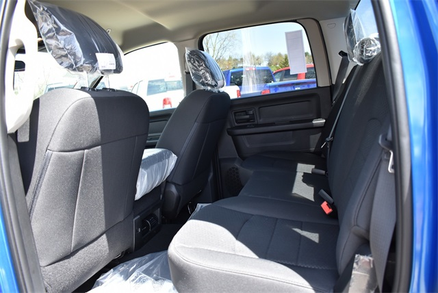 2019 Ram 1500 Crew Cab 4x4, Pickup #R2265 - photo 14