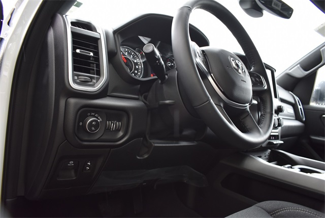 2019 Ram 1500 Crew Cab 4x4, Pickup #R2273 - photo 20