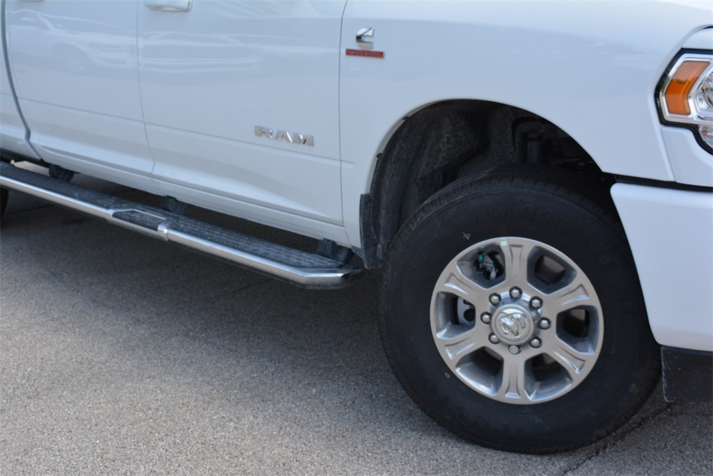 2019 Ram 2500 Crew Cab 4x4, Pickup #KG579397 - photo 4
