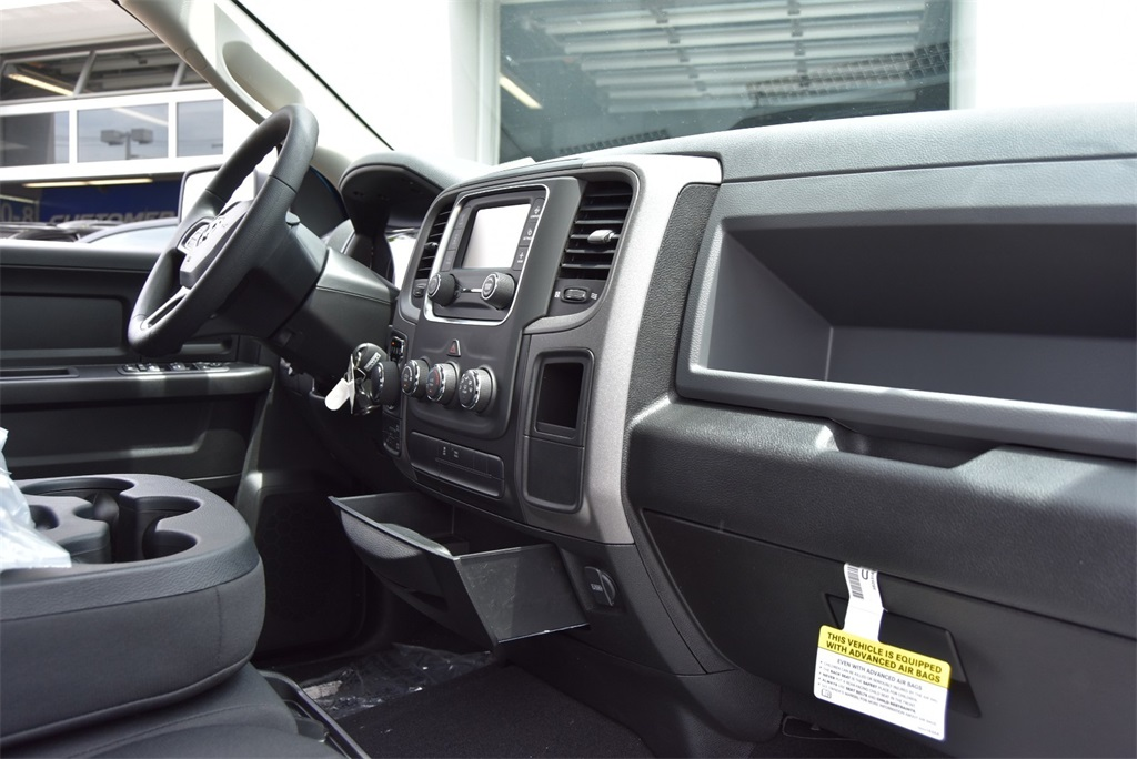 2019 Ram 1500 Crew Cab 4x4, Pickup #R2338 - photo 13