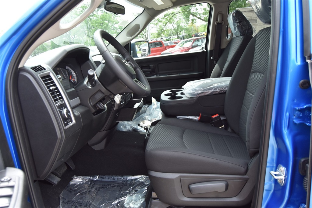 2019 Ram 1500 Crew Cab 4x4, Pickup #R2338 - photo 19