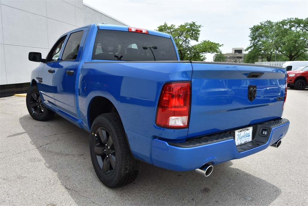 2019 Ram 1500 Crew Cab 4x4, Pickup #R2338 - photo 8