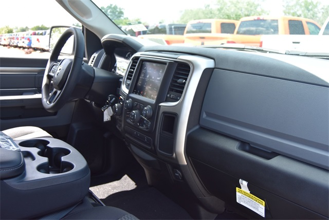 2019 Ram 1500 Crew Cab 4x4, Pickup #R2355 - photo 12