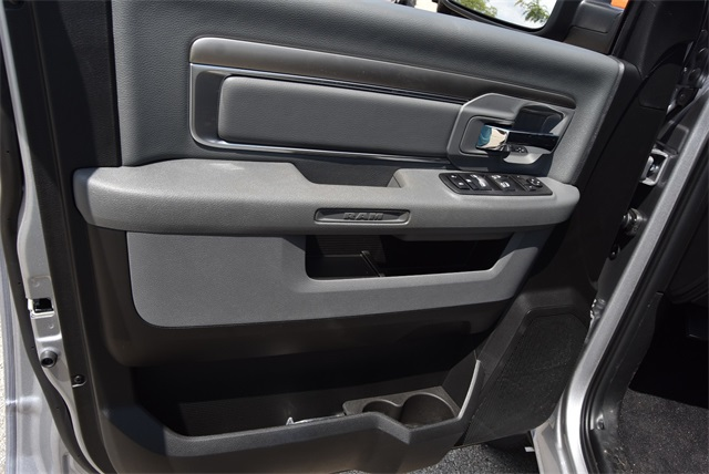 2019 Ram 1500 Crew Cab 4x4, Pickup #R2355 - photo 16